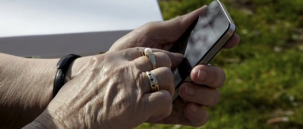 Smartphones and older people, an increasingly well-matched pairing