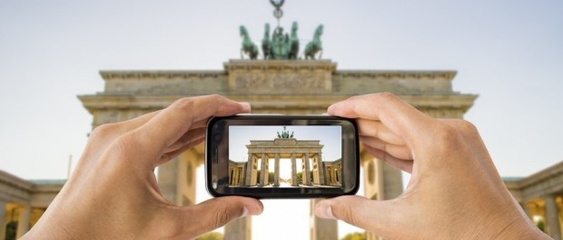 Essential applications to edit and share photos